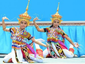 Thai traditional dance performance