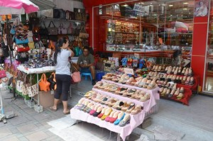 Gold shop and shoe stall in South Pattaya