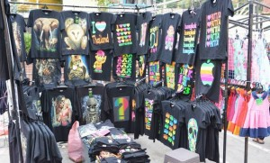 T-shirt shop on Pattaya market