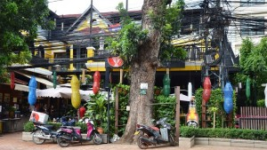 Khop Chai Deu bar & restaurant in Vientiane