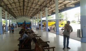 yellow-bus-sa-kaeo