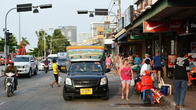 Heavy traffic on Pattaya beach road