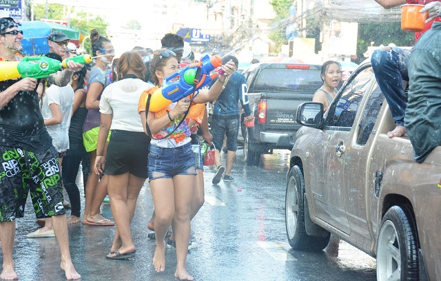 Songkran in Pattaya 2016 - 18