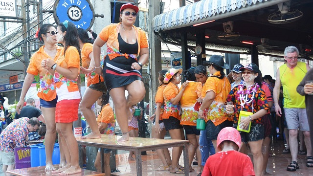 Songkran in Pattaya 2016 - 19