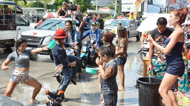 Songkran in Pattaya 2016 - 26