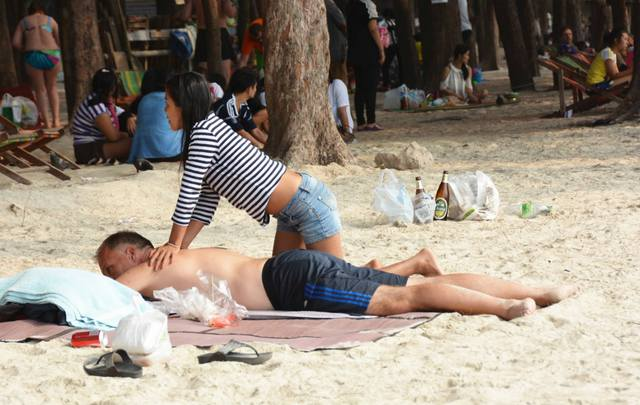 Thai massage on Pattaya beach