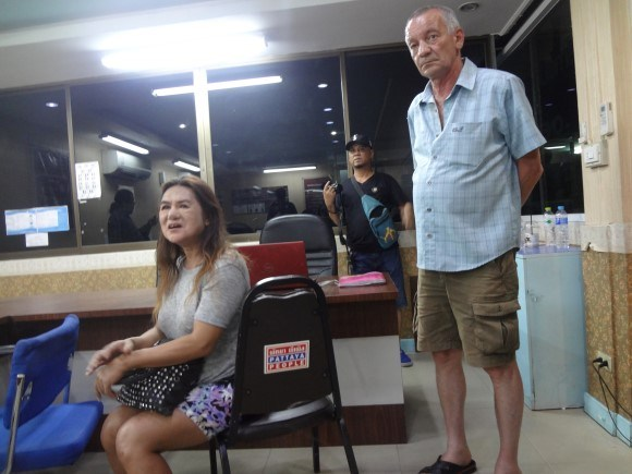 German Tourist Catches Ladyboy Pickpocket on Baht Bus