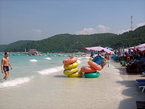 Tawaen beach on Koh Larn island