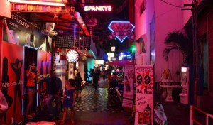 Soi Diamond off Walking Street by night